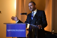 Rabbi Dunner addresses the Beverly Hills Synagoge Annual Gala honoring Irena and George Schaefer, Beverly Hills Hotel (03/26/2017)